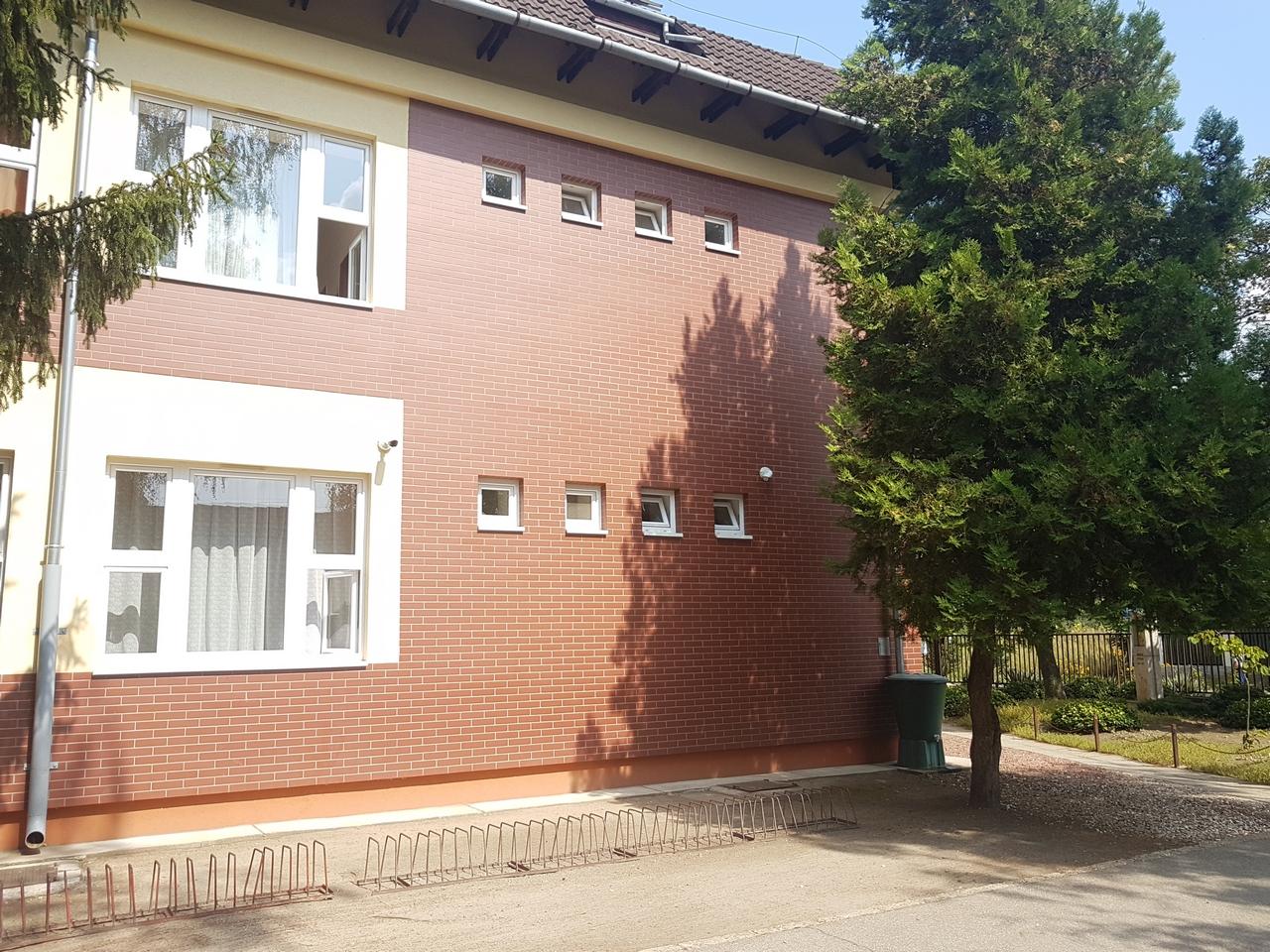 Belső-külső kamerarendszer telepítése a Hevesy György Általános Iskolában, Turán