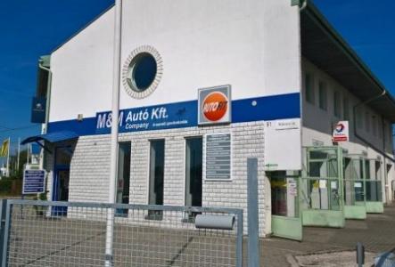 Riasztórendszer, kamerarendszer és villanyszerelés kivitelezése az M&M Autó Kft.-nél Hatvanban
